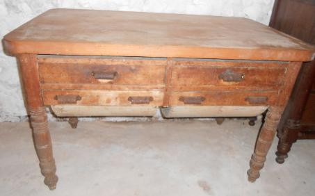 antique Baker�s table with 2 drawers for auction